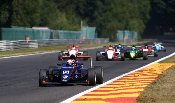 British F3 heads to Brands Hatch