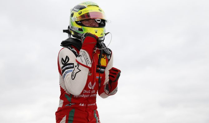 Ticktum leader, Schumacher vince di nuovo