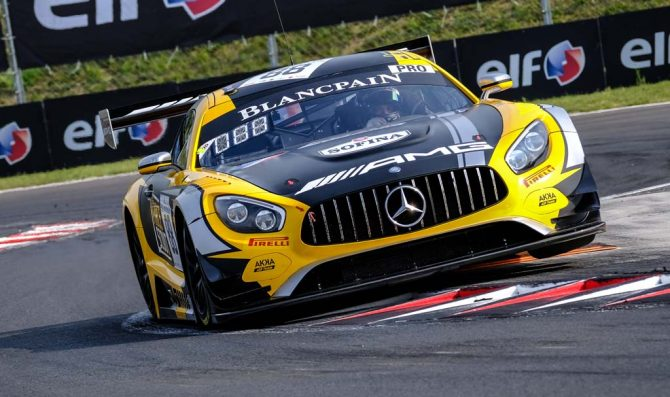 Mercedes drivers top qualifying in Budapest