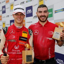 Schumacher takes FIA F3 lead