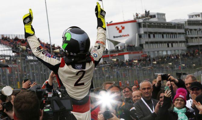 Turkington crowned triple BTCC Champion