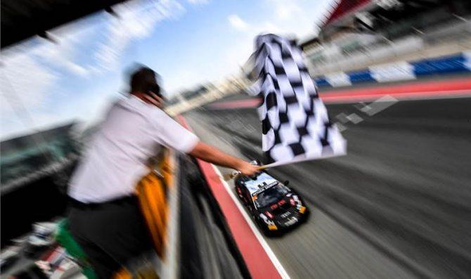 Dubai: tripletta Target Racing