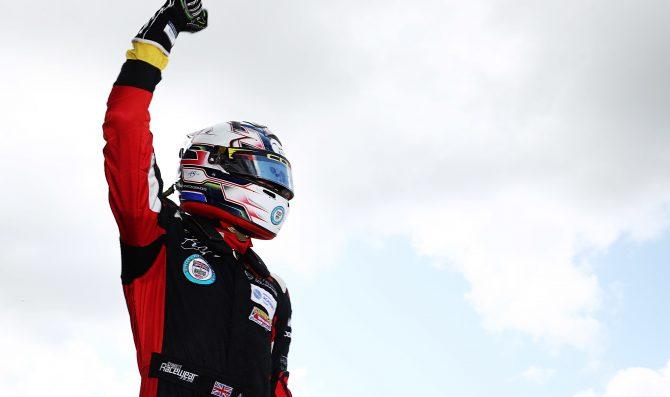 Maldonado, Simmons share wins at Silverstone