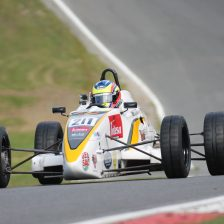 Meloni jr sul podio a Brands Hatch