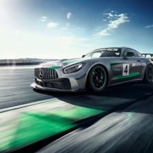 V-Action con due Mercedes GT4