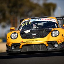 Campbell in pole a Bathurst con la Porsche