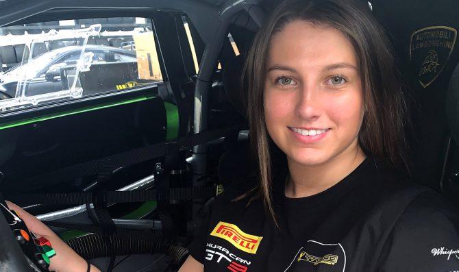 Una ragazza nell'Australian GT