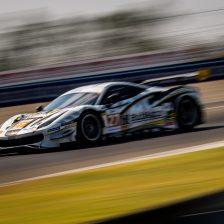 Ferrari in trionfo con HubAuto Corsa