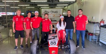 Stuvik, Davies join forces
