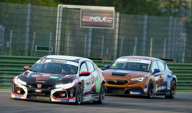 Guidetti sfiora due volte il podio del TCR Italy con la Honda di MM Motorsport a Imola