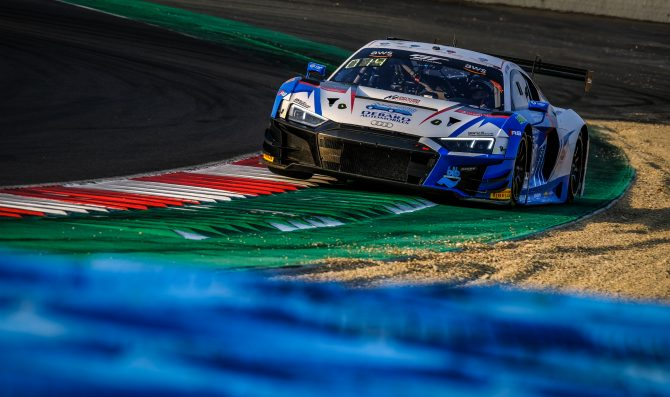 Magny-Cours 2: Gachet (Audi) in pole