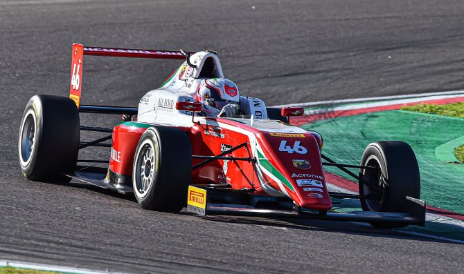 Imola: Minì vince Gara 1 e allunga