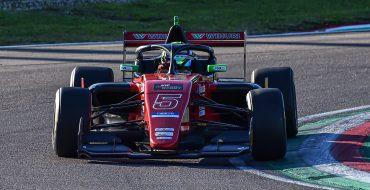 Azcona crea il vuoto nella prima gara di Imola