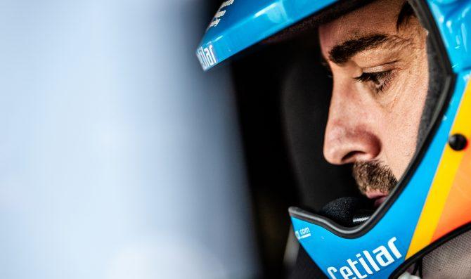 Alonso coinvolto in un incidente