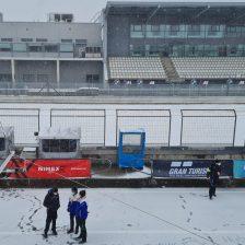 NLS: la neve ferma tutto