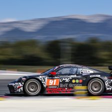 Porsche secures win at Paul Ricard