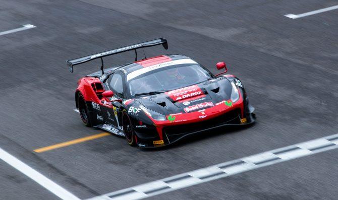 Crestani-Greco a segno con la Ferrari
