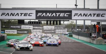 Audi dominates race 1 at Magny-Cours