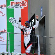 MM Motorsport con Girolami e Young