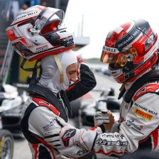 Saucy domina, Minì ancora a podio
