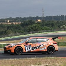 Fernandez firma Gara 1 a Vallelunga