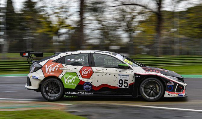 Riba e Akhmadov con MM Motorsport a Imola